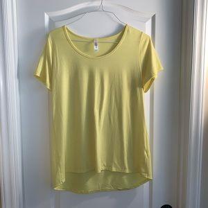 LuLaRoe Classic T yellow solid  Shirt  Size L